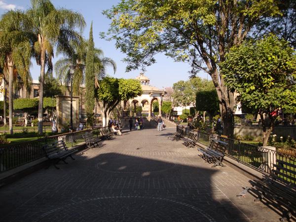 Jardin hidalgo tlaquepaque zona guadalajara for Jardin hidalgo
