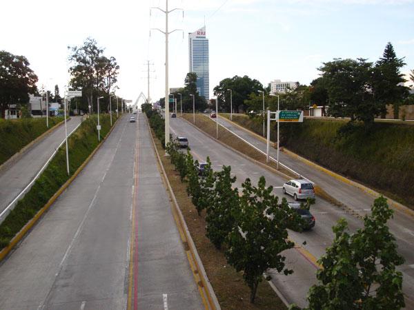 La leyenda del fantasma de la avenida for El mural aviso de ocasion guadalajara