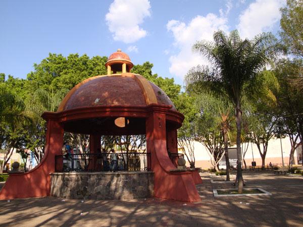 Los 7 principales kioscos de guadalajara zona guadalajara for Kiosco de madera para jardin
