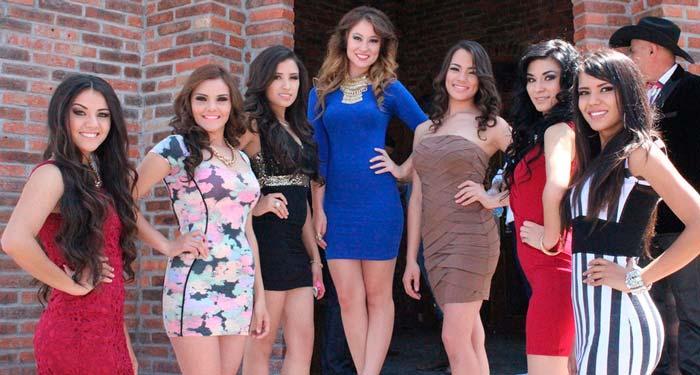A Falta De Hombres Hermosas Mujeres De Jalisco Se Reúnen